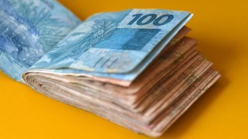 Imagem da notícia: Salário Mínimo 2020 deve subir para R$ 1.042,71