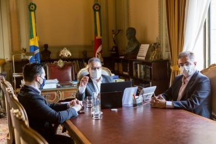Imagem da notícia: PL 246 é sancionado com medidas para o desenvolvimento do Estado